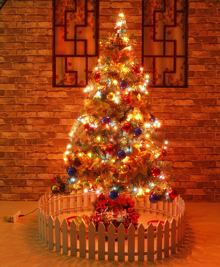 5 ft beautiful christmas tree with 13 amazing decorations for Amazing christmas decorations