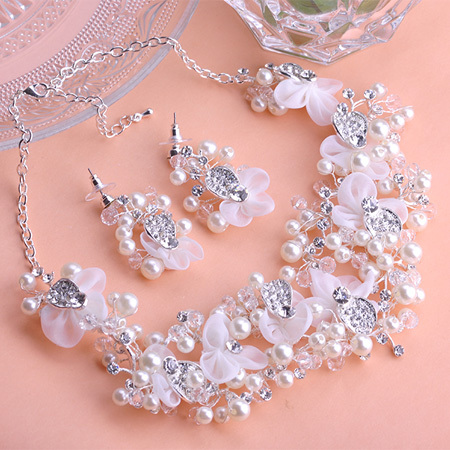 Luxurious Collar Chokers Necklaces Max Brincos Earrings Accessories Joyas Lace Pearls Jewellry Sets Wedding Dress Short Feminino<br><br>Aliexpress