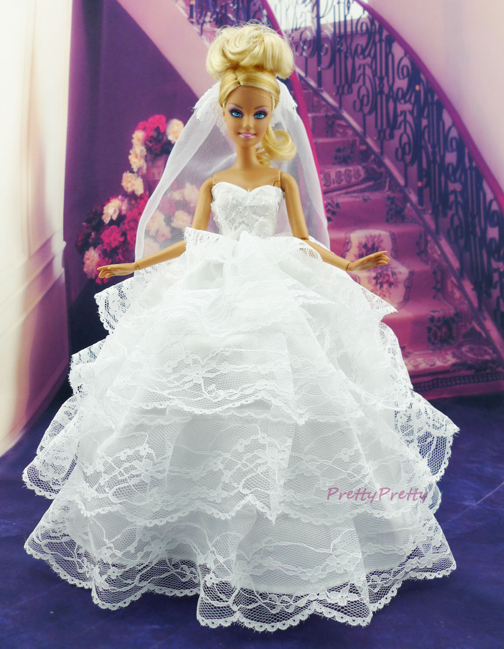 Барби в свадебном платье
