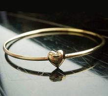 N Fashion simple gold color peach heart bangle bracelet  gold bangle free shipping( min max order is $9.9)(China (Mainland))