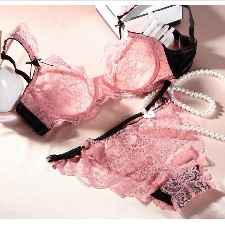 Белье женское розовое кружевное