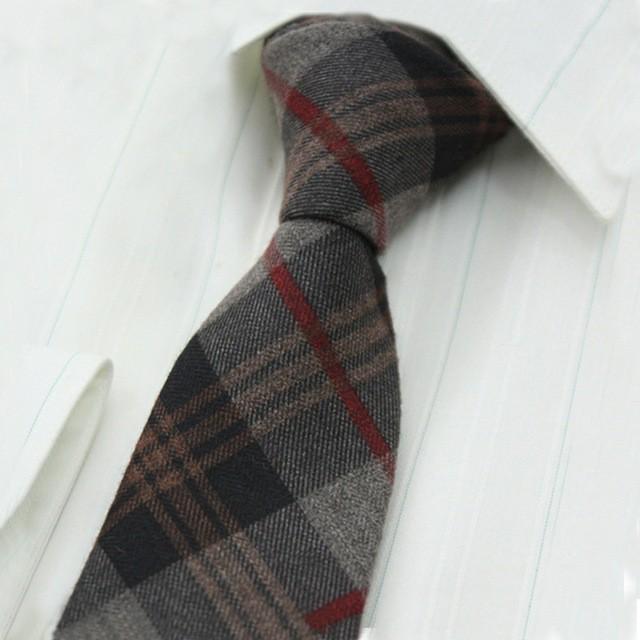 Mode-Gris-Cachemire-Cravates-pour-les-Hommes-Maigre-Plaid-Liens-pour-hommes-Noir-Gris-Solide-Cravate.jpg_640x640