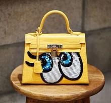 South Korean women house of Hello adorable thing do SpongeBob SquarePants eyes glitter platinum package