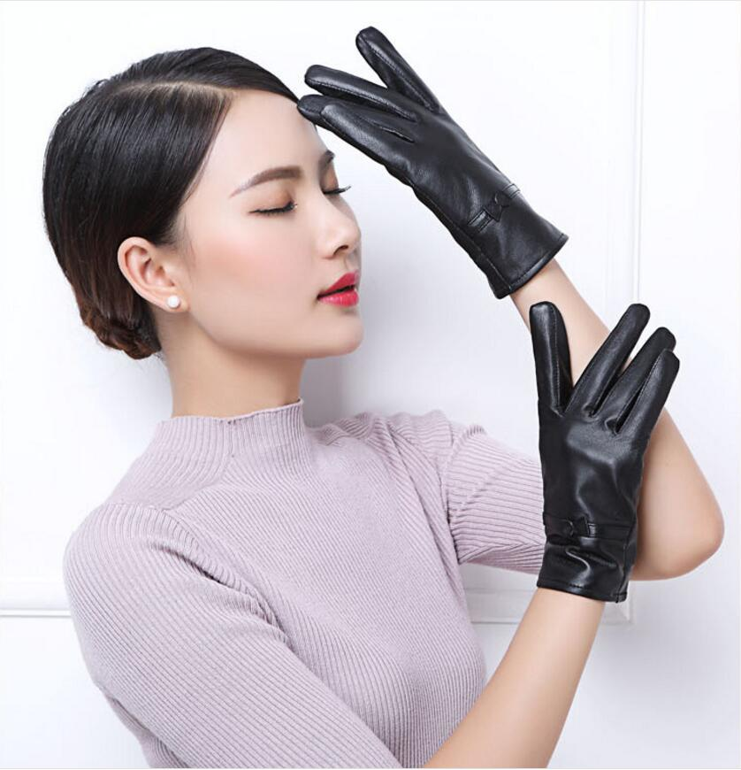 Fashion Sexy Genuine Leather Gloves Women Solid Wrist Buttons Female Thick warm winter(China (Mainland))