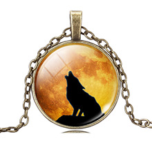 Cool Wolf Picture Pendant Necklace Vintage Bronze Statement Chain Jewelry Summer Style Glass Cabochon Necklace for