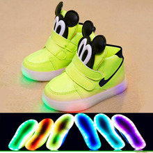 2016 New European Cool Fashion Lighted up LED kids sneakers Elegant Lovely baby boys girls shoes cool children boots(China (Mainland))