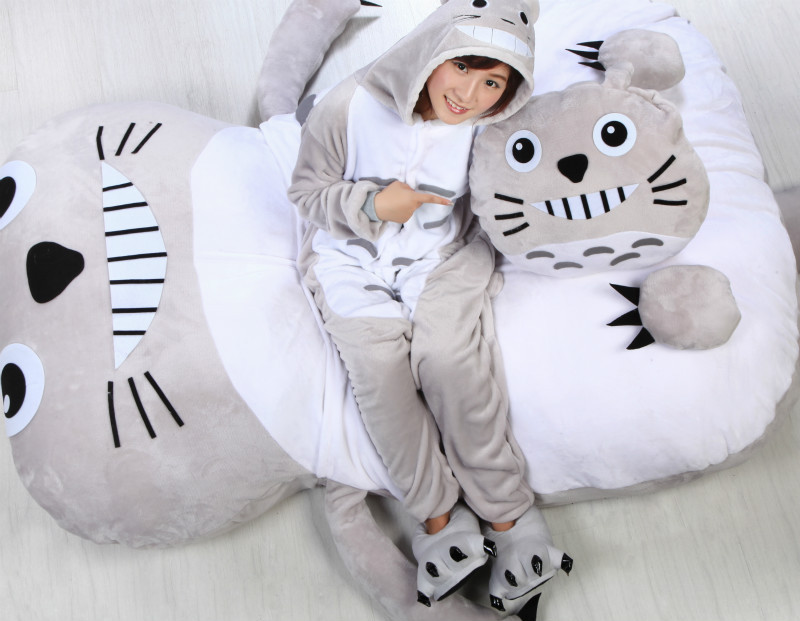 2015 hot selling super cute cartoon bed totoro double bed(China (Mainland))