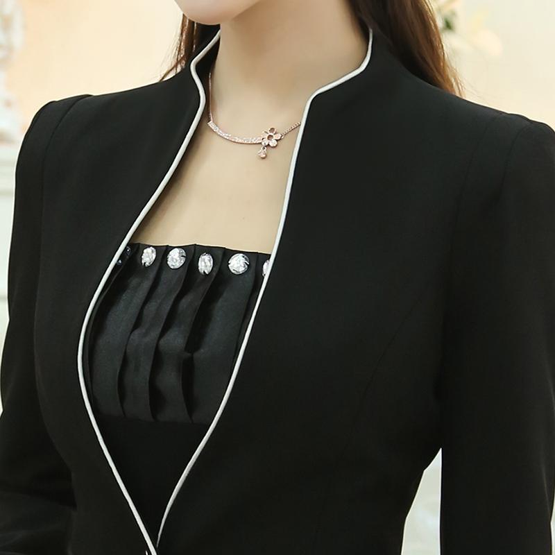 Серый брючный костюм женский с доставкой