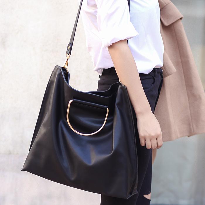 2016 hot sale Ladies Fashion Handbag Black Satchel Tote women Bag PU Leather Ring popular Casual package female top-handle bags <br><br>Aliexpress