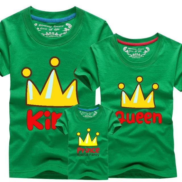2016 мода соответствующие одежды семьи мать и дети футболка мальчики девушки корона ...