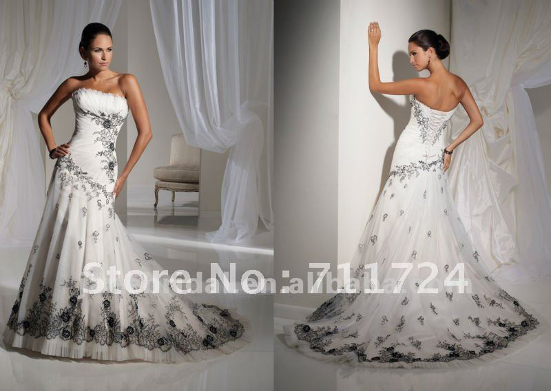 White And Black Embroidery A Line Corset Wedding Dresses