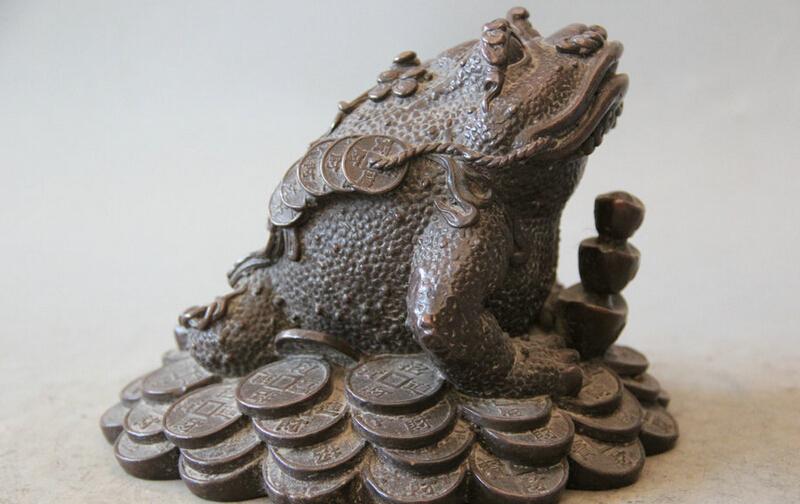 "song voge gem S5754 7"" Chinese Bronze Folk Wealth Money Coin Golden Toad Spittor sculpture Statue(China (Mainland))"