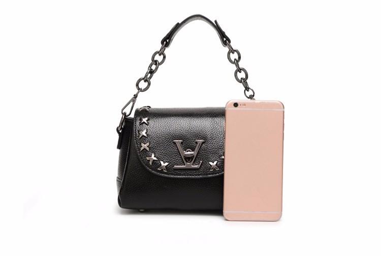 ซื้อ 2016ใหม่หมุดหนังแท้โซ่ล็อคลิ้นจี่แบบออกแบบผู้หญิงของMessenger C Rossbodyกระเป๋าไหล่เดี่ยวกระเป๋าถือHobos