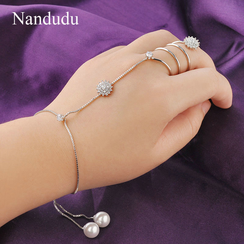 Nandudu Fashion Palm Chain Bracelet Connected rings Fingers Pearl and Crystal Adorn Women Girl Jewelry Gift R964(China (Mainland))