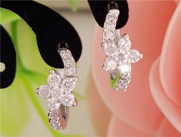 Wholesale Sparkling Flower Silver Attractive CZ Zircon Lady's Hoop Earrings Wholesale Bijoux Jewelry Brincos Pendientes Mujer(China (Mainland))