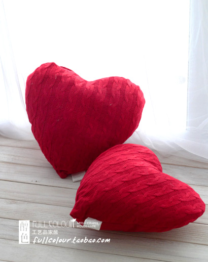 (1 pc/lot)Lovers love heart shape knitted crochet cushion for wedding and other festive(40*40cm)(China (Mainland))