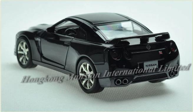 132 Nissan GT-R (18)