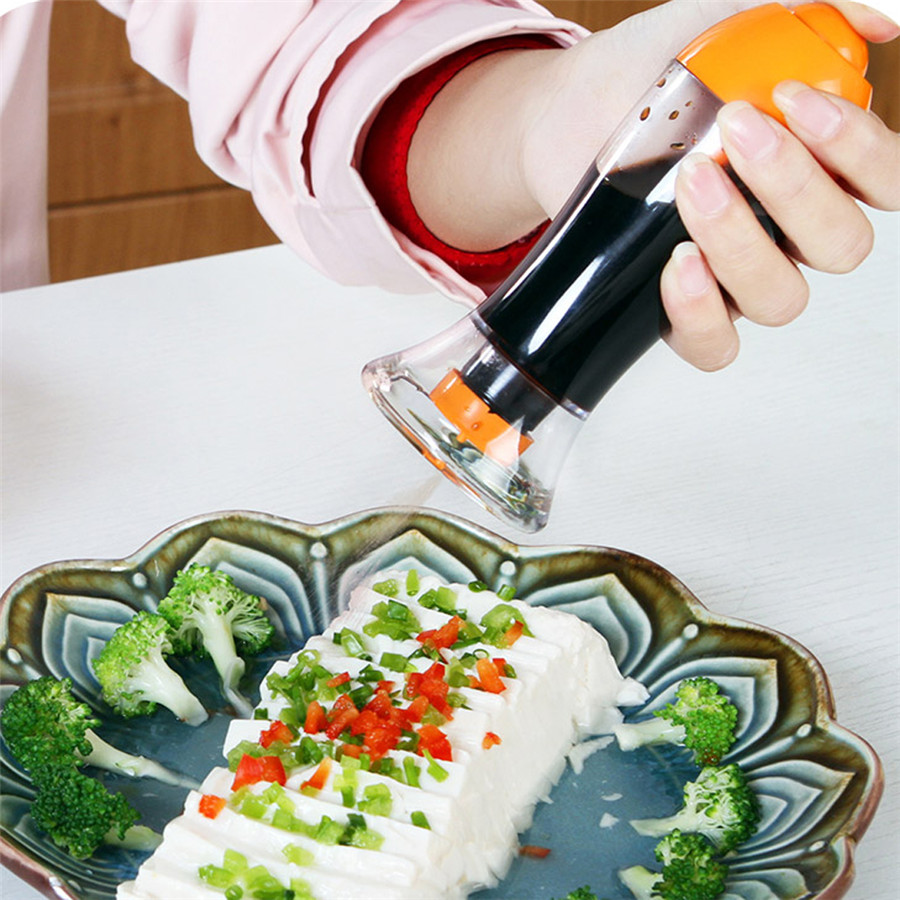 Gravy Boats Kitchen Plastic Leakproof Spray Oil Bottle Sauce Vinegar Cooking Tool Orange Free shipping(China (Mainland))