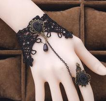 Pulseras de flores de encaje Vintage brazalete para mujeres niñas joyería de palacio étnico Rosa flor perlas brazalete pulsera nuevo caliente(China)