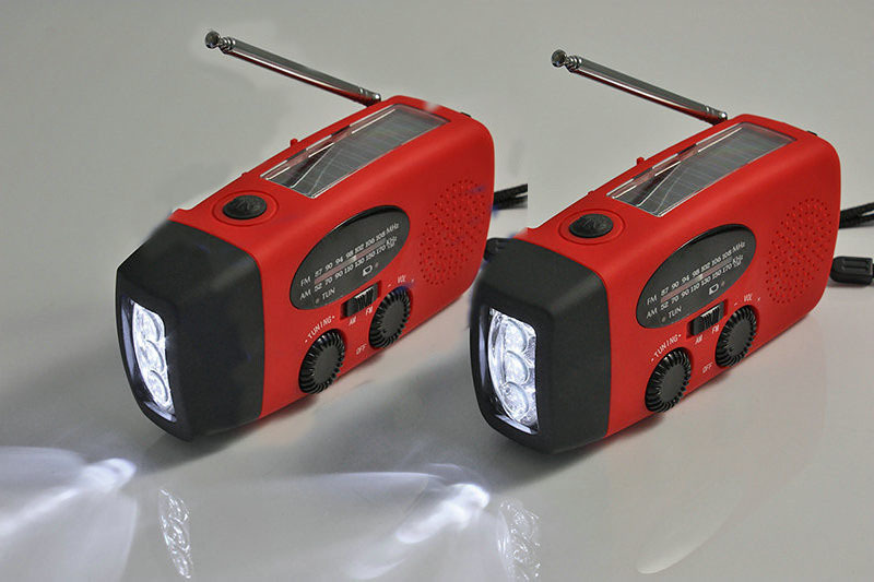 New Solar Dynamo Powered Radio Hand Crank AM FM 3 LED Flashlight Phone Charger power cords