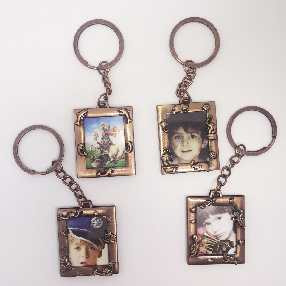 mini small photo frame keychain, copper metal picture frame, best gifts children, wedding guests - China TreasureHunt Home Decoration Co. Ltd. store