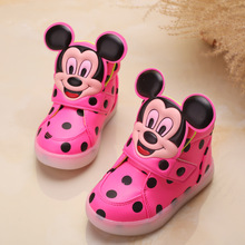 2016 European fashion cute LED lighting children shoes hot sales Lovely kids sneakers high quality cool boy girls boots(China (Mainland))