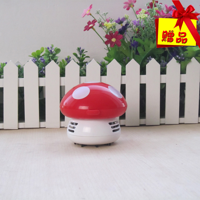 Free shipping Mini small desktop vacuum cleaner laptop keyboard cleaner cartoon home dust collector