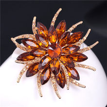 Fashion Perhiasan 8 Warna Merek Vintage Pernikahan Bros Bouquet Bunga Kristal Acrylic Bros Pins Untuk Wanita Kain Aksesoris(China)