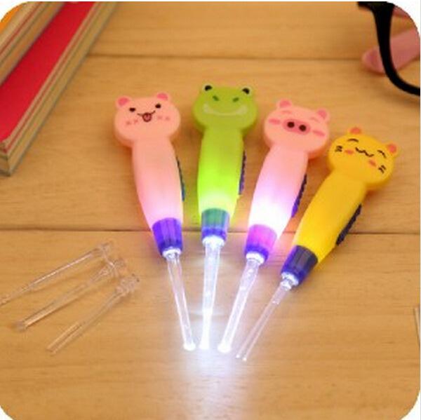1 Set Ear Cleaner Animals Luminous Earwax Spoon Clean Flashlight Plastic Earpick Handle 4 styles