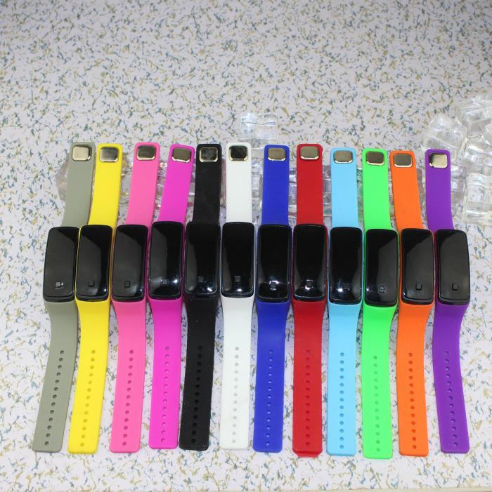 LED silicone watch bracelet waterproof couple watch silicone mini electronic digital watch(China (Mainland))