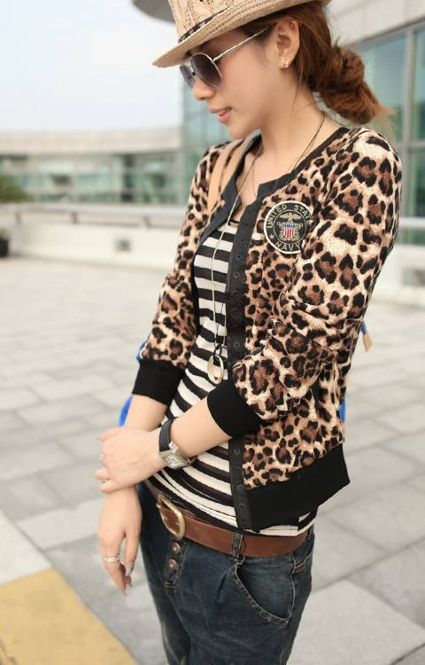 2015 NEW Wild Fashion Leopard Long-Sleeved Leather Stitching Badges Short Paragraph Two Pockets Slim Cardigan Jacket Coat(China (Mainland))
