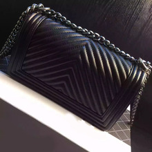 2016 High Quality Famous Brand Vintage V Pattern Women Leather Handbags Top Layer Sheepskin Brand Designer Chain Shoulder Bags(China (Mainland))