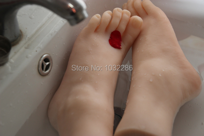 Foot fetish sex toy/toys simulation model rubber product love doll Solid silicone feet model sex products real doll for man(China (Mainland))