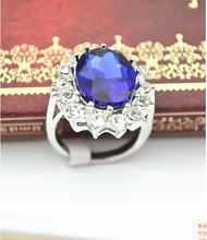 British Royal Princess Diana engagement ring Prince William Diana sapphire ring