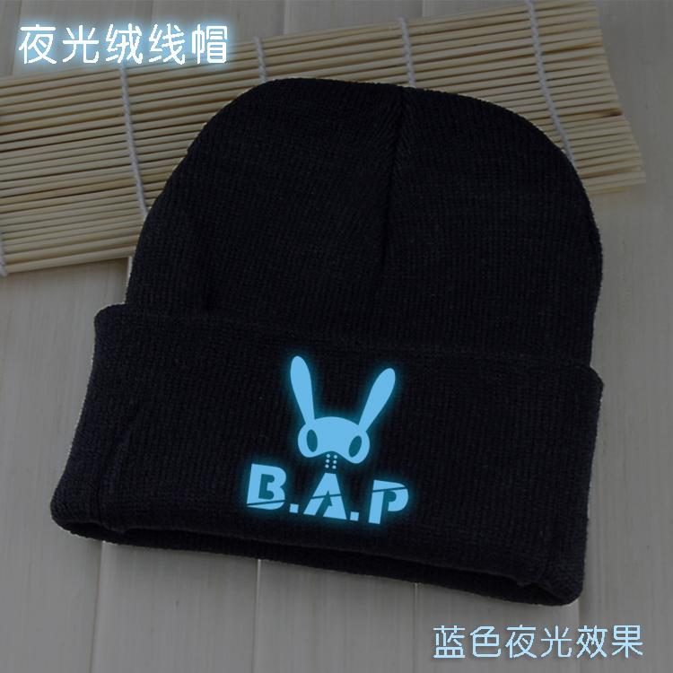 B . luminous a.p personality knitting wool cap blue luminous star souvenir(China (Mainland))