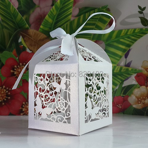 2015 Laser Cut Butterfly and Flower wedding party favor box in pearlescent candy box,party show gifts,paper box for wedding(China (Mainland))
