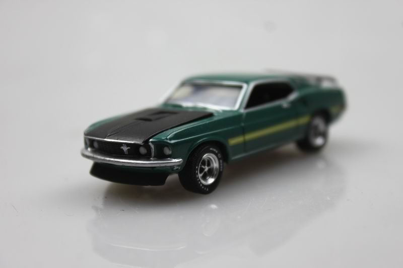 GreenLight 1:64 1969 Ford Mustang Mach 1 boutique alloy car toys for children kids toys bulk freeshipping(China (Mainland))