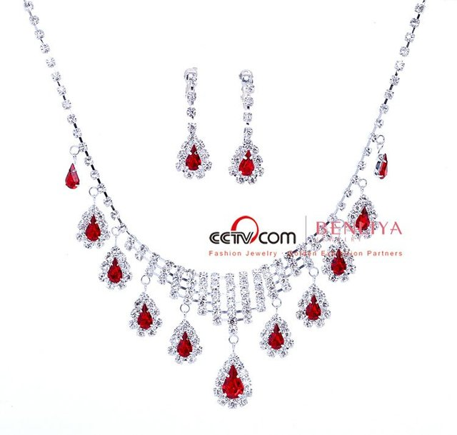 Freeshipping-New arrival bridal jewelry with multi rhinestone Bib necklace. Designed by  designers from fashion week. Hot sales