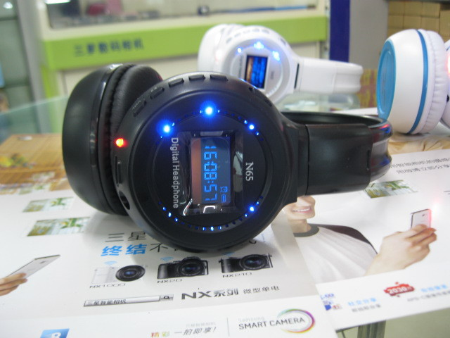 2015 Real Earphone Auriculares Free Shipping N65 Wireless Card Mp3 Player Headset Voice Led Lyrics Display New Arrive Four Color(China (Mainland))