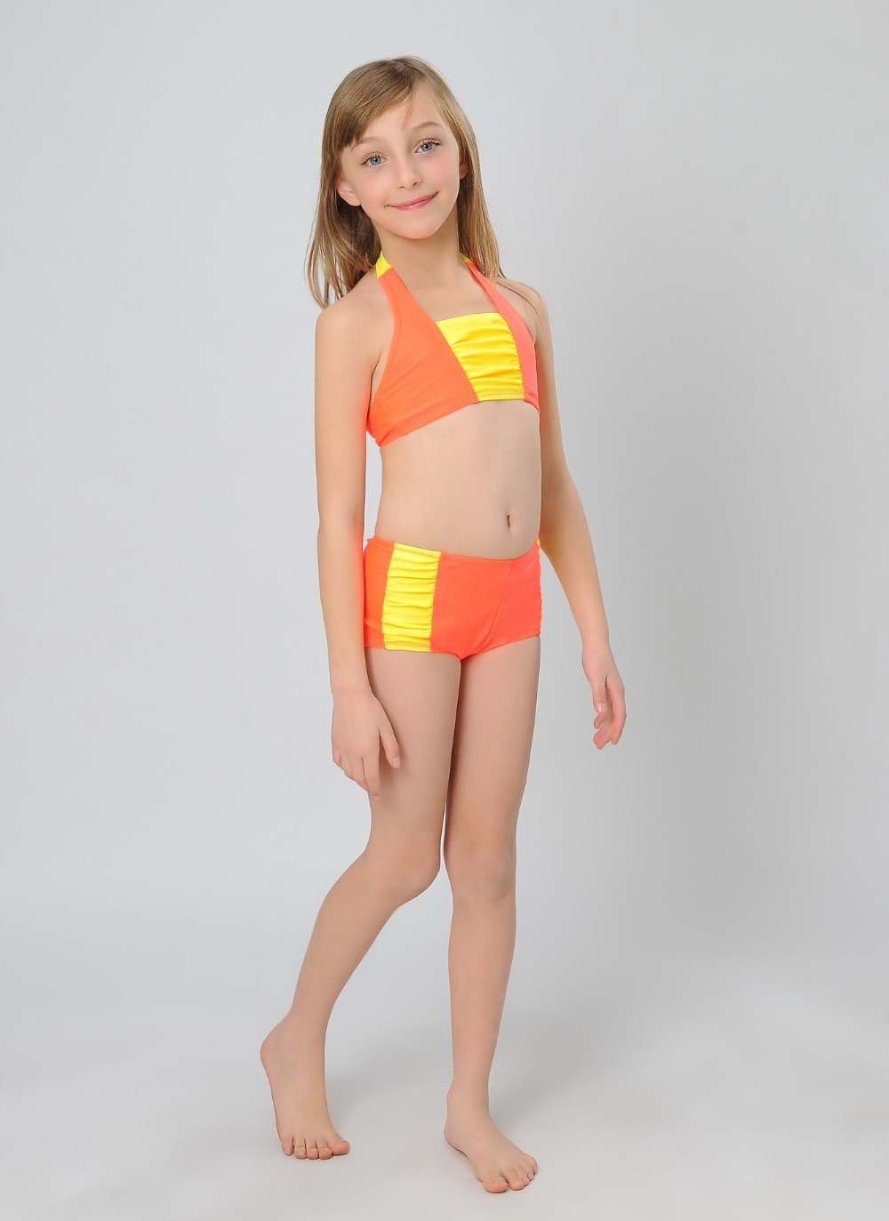 Choosing boys' swimsuits Boys can often be easier to buy for with kids' beachwear than girls. A simple pair of drawstring swim trunks will usually do. Think adjustable straps for girls Young girls' bodies may grow in many ways. In selecting kids' swimwear for young girls, consider how the .