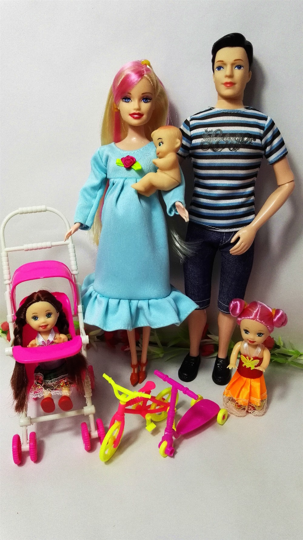 Toys Family 5 People Dolls Suits 1 Mom /1 Dad /2 Little Kelly Girl /1 Baby Son/1 Baby Carriage Real Pregnant Doll Gifts,YF-99