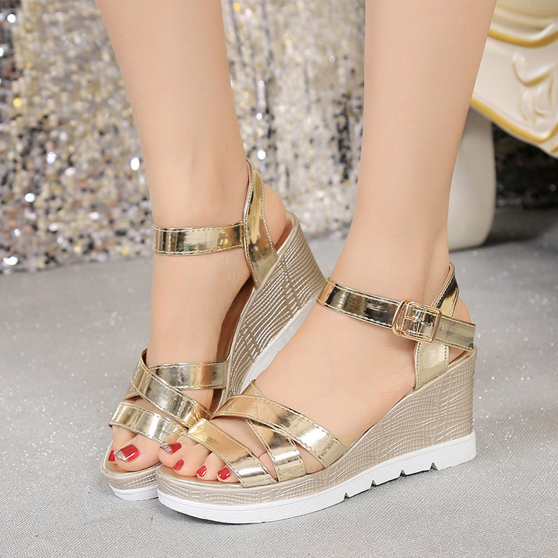 2016 Summer Korea Fashion New Bling Cross-Strap Non-Slip Thick Bottom Open-Toe Hasp Female High Heels Wedges Sandals Gold Silver(China (Mainland))