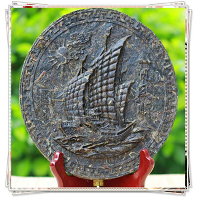 Гаджет  Puer tea black Smooth sail in 2014 carving craft tea refined chinese tea slimming products to lose weight and burn fat gift tea None Еда