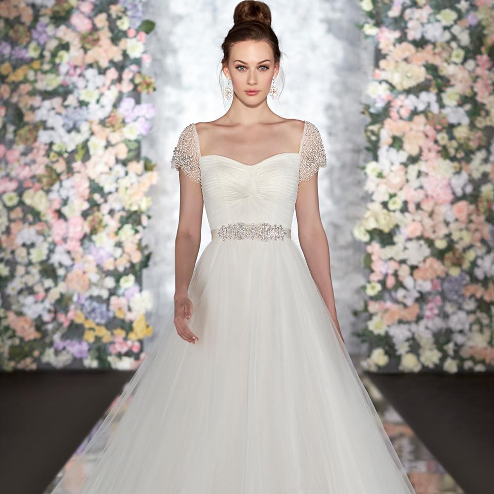 Soft Tulle Wedding Dress Sweetheart Neckline Cap Sleeves