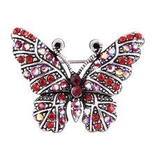 Di Cristallo di modo della farfalla Dell'annata Deer Spille per le Donne Degli Uomini Maglione vestito di Cristallo Animale Spilli fibbia Strass Gioielli(China)
