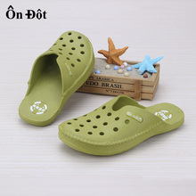 unisex rubber clogs women slippers mens shoes mules and clogs sandals brand nurse garden clogs for women and male(China (Mainland))