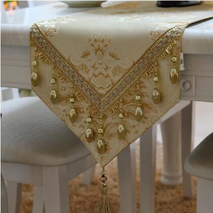 Manteles bordado moderno imagui for Camino mesa moderno