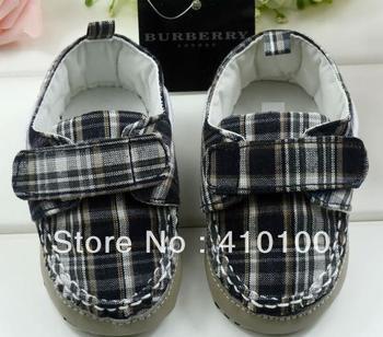 S092 Hot sale Very Cute children's shoe black-white grid  stripe Shoes soft sole baby shoe boys girls Warm 3 size to choose