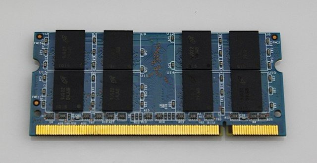 Free shipping+ promotion  Laptop RAM Memory DDR2 2GB  800 SO-DiMM 200 pins