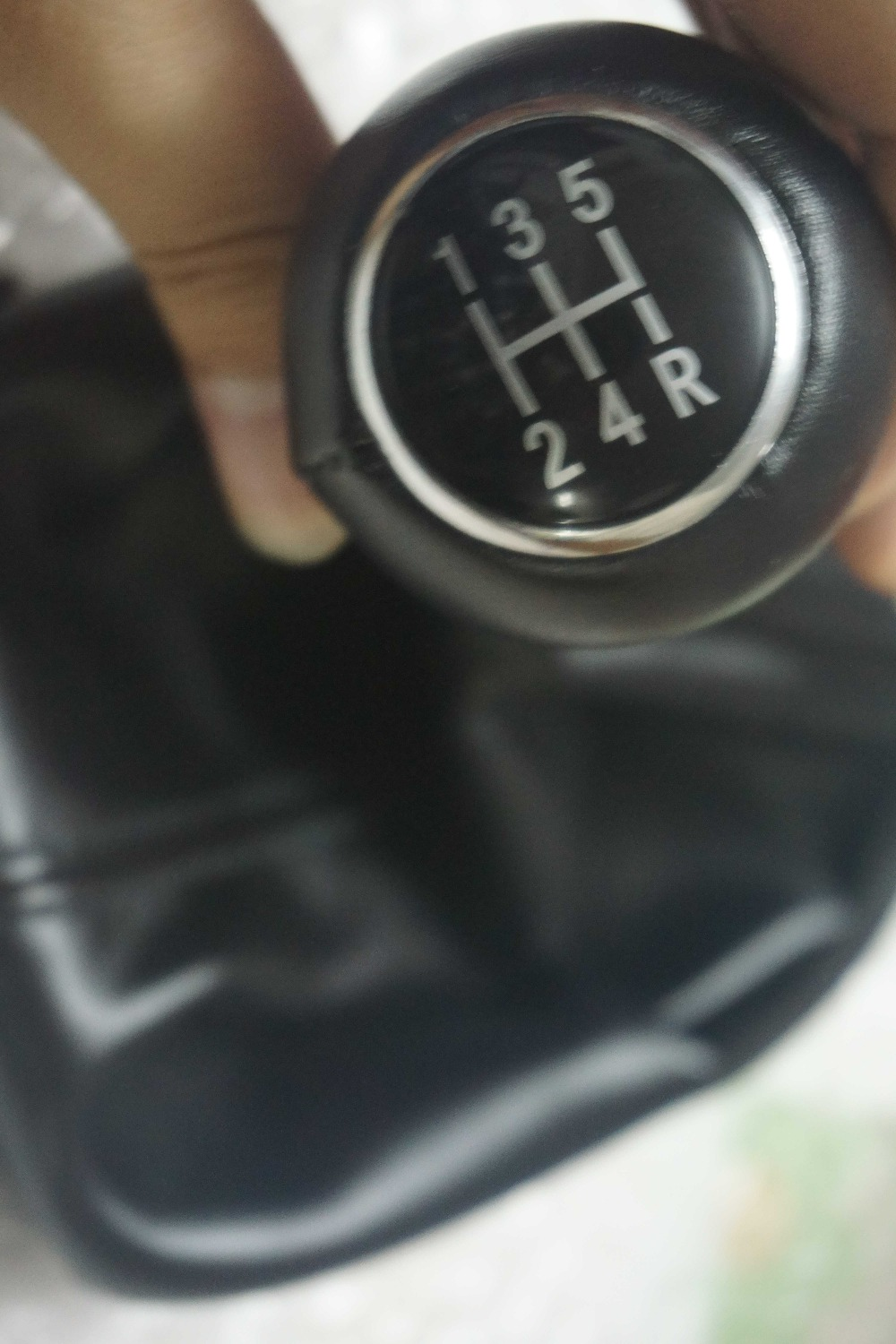 fat oem: 4b0863279a new 5 speed gear shifter knob gaitor boot for audi a6 c5 a4 b5 a8 d2 1996 1997 1998 1999 2000 2001 2002 2003(China (Mainland))